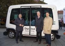 Mobilitätslandesrat Ludwig Schleritzko, Bürgermeister Klaus Schneeberger und Karl Rehrl von Salzburg Research (v.l.n.r.)